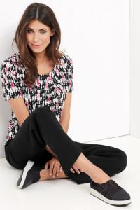 Femininer Chic zeigt sich auf dem modischem 1/2 Arm Shirt.