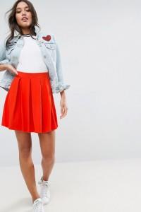 ASOS - Ausgestellter Minirock mit Bundfalten - Rot - Farbe:Rot