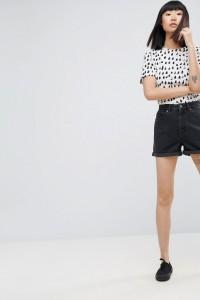 ASOS - Denim-Mom-Shorts in verwaschenem Schwarz - Schwarz - Farbe:Schwarz