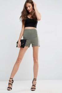 ASOS - Knielange Shorts aus gestreiftem Netzstoff - Grün - Farbe:Grün