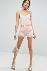 ASOS - Elegante Shorts mit auffälliger Blumenmverzierung - Rosa - Farbe:Rosa