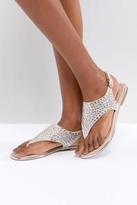 ALDO - Sandalen mit T-Steg und Schmucksteinverzierung - Gold - Farbe:Gold