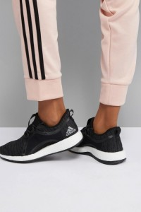 adidas - PureBOOST X - Schwarze Turnschuhe - Schwarz - Farbe:Schwarz