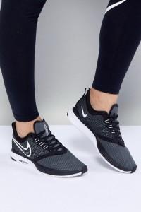 Nike Running - Air Zoom Strike - Sneaker in Schwarz - Schwarz - Farbe:Schwarz