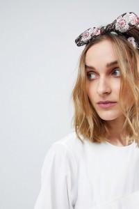 ASOS - Mit Blumen besticktes Haarband mit Schleife - Mehrfarbig - Farbe:Mehrfarbig