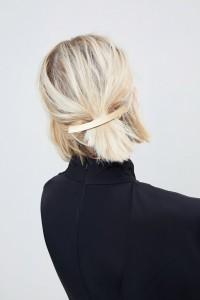 ASOS - Gebogene Haarspange in gebürsteter Optik - Gold - Farbe:Gold