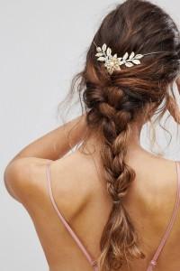 ASOS - Haarkrone mit Blumen und Perlen - Gold - Farbe:Gold
