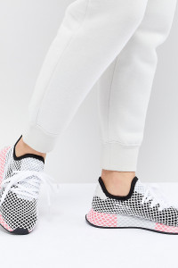 adidas Originals - Deerupt - Sneaker in Schwarz und Rosa - Schwarz - Farbe:Schwarz