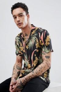 AllSaints - Kurzärmliges Hemd mit Reverskragen und tropischem Muster - Schwarz - Farbe:Schwarz