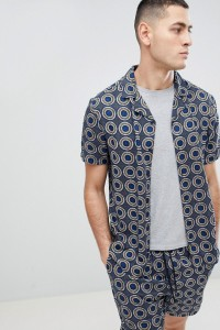Another Influence - Kurzärmliges Hemd mit geometrischem Print und Revers - Navy - Farbe:Navy