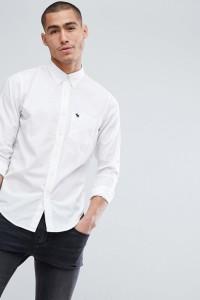 Abercrombie & Fitch - Schmal geschnittenes Popeline-Hemd mit geknöpftem Kragen und Elch-Logo in Weiß - Weiß - Farbe:Weiß