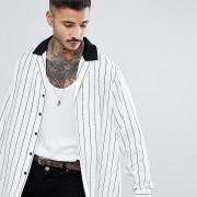 Reclaimed Vintage - Inspired Revere - Weißes Hemd mit Streifen in regulärer Passform - Weiß - Farbe:Weiß