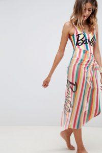 Missguided - Barbie - Gestreifter Sarong mit Slogan - Mehrfarbig - Farbe:Mehrfarbig
