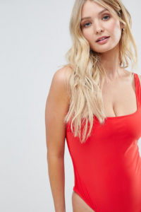 Wolf & Whistle - Badeanzug in Rot für die größere Brust
