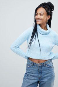 ASOS - Hochgeschlossener Chenille-Pullover mit kurzem Schnitt - Blau - Farbe:Blau