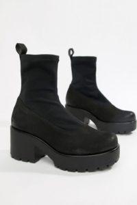 Vagabond - Diion Nubuck - Stiefel mit elastischem Schaft und flacher Plateausohle - Schwarz - Farbe:Schwarz