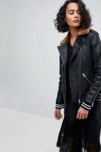 AllSaints - Oversize-Lederjacke mit Kragen aus Fellimitat - Schwarz - Farbe:Schwarz