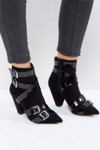 ASOS - ROBIN - Stiefel mit vielen Riemen und kegelförmigem Absatz - Schwarz - Farbe:Schwarz