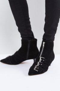 ASOS - REVELATION - Ankle-Boots aus Wildleder mit Absatz - Schwarz - Farbe:Schwarz