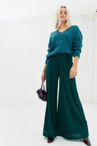 Miss Selfridge - Figurbetonte Hose mit weitem Bein in Grün - Grün - Farbe:Grün