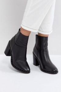 ASOS - ENVY - Ankle Boots aus Leder - Schwarz - Farbe:Schwarz