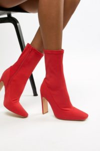 Missguided - Ankle-Boot mit eckiger Zehenpartie in Rot - Rot - Farbe:Rot