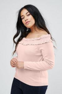 ASOS Curve - Schulterfreier Pullover mit Rüschenbesatz - Rosa - Farbe:Rosa