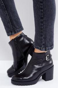 Vagabond - Grace - Schwarzer Ankle-Boot aus Leder mit dicker Sohle und Schnallendesign - Schwarz - Farbe:Schwarz