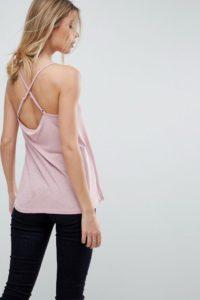 ASOS - Ausgestelltes Camisole mit überkreuzten Trägern - Rosa - Farbe:Rosa