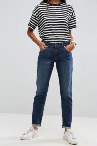ASOS - KIMMI - Boyfriend-Jeans im Shrunken-Look in dunkler Clara-Waschung - Blau - Farbe:Blau