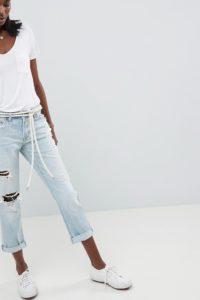 Abercrombie & Fitch - Mittelhohe Jeans mit geradem Bein