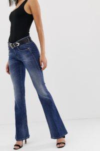 Diesel - Ausgestellte Jeans mit mittelhoher Taille - Blau - Farbe:Blau