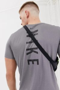 Nike Running - Miler - Funktions-T-Shirt mit Rücken-Print in Violett