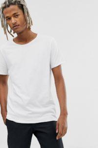 Weekday - T-Shirt in Weiß meliert mit ungesäumtem Saum - Weiß - Farbe:Weiß