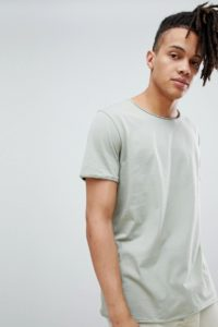 Weekday - T-Shirt mit ungesäumtem Saum in Minzgrün - Grün - Farbe:Grün