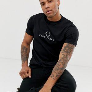 Fred Perry – Schwarzes T-Shirt mit gesticktem Logo – Schwarz