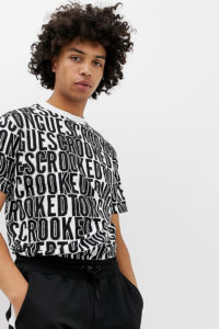 Crooked Tongues - Oversize-T-Shirt mit mehrfachem Logoprint - Schwarz - Farbe:Schwarz