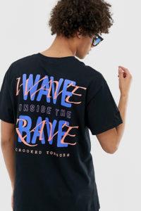 """Crooked Tongues - Übergroßes T-Shirt mit """"Wave Rave""""-Print hinten - Schwarz - Farbe:Schwarz"""