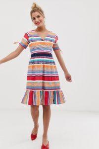 Yumi - Auffällig gestreiftes Skaterkleid - Mehrfarbig - Farbe:Mehrfarbig