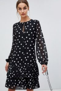 HUGO - Hübsches Hängerkleid mit Punktmuster - Schwarz - Farbe:Schwarz