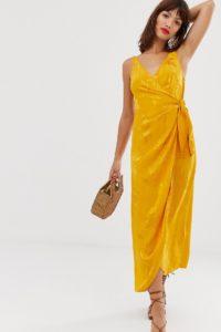 Other Stories - Jacquard-Wickelkleid mit Trägern in Orange - Gelb - Farbe:Gelb