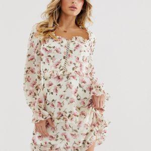 Missguided – Geblümtes Kleid mit Schnürung und Bauernblusen-Design – Mehrfarbig