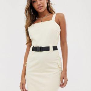 Missguided – Kleid mit Gurtdetail in gebrochenem Weiß – Cremeweiß