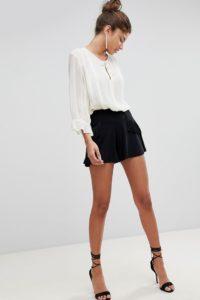 ASOS - Shorts mit Fransenverzierung - Schwarz - Farbe:Schwarz