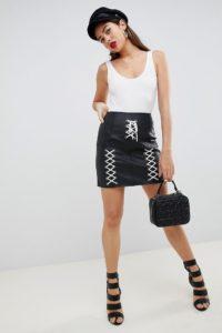 ASOS - Minirock aus Kunstleder mit Schnürdetail - Schwarz - Farbe:Schwarz
