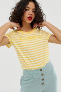 """Vero Moda - Gestreiftes T-Shirt mit """"Amour"""