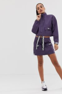 adidas Originals - RYV - Rock mit großen Taschen in Violett - Violett - Farbe:Violett