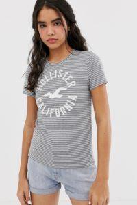 Hollister - Gestreiftes T-Shirt mit klassischem Logo - Grau - Farbe:Grau