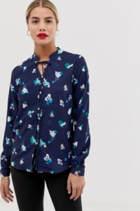 Yumi - Bluse mit Blumenprint und Schleife - Navy - Farbe:Navy