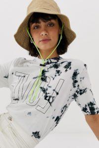Weekday - Betty - T-Shirt mit Batikmuster und Love-Schriftzug - Weiß - Farbe:Weiß